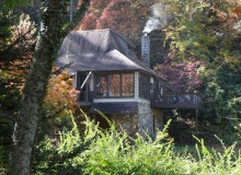 CHARMED COTTAGE<br>Sleeps up to 7<br>