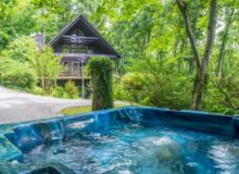 Hot Tub - Chalet Quietude