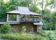 CHARMED COTTAGE<br>Sleeps up to 6<br>